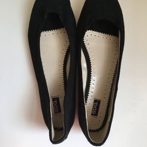 BDG UO 8/9 Black Suede Leather Flats NWOT